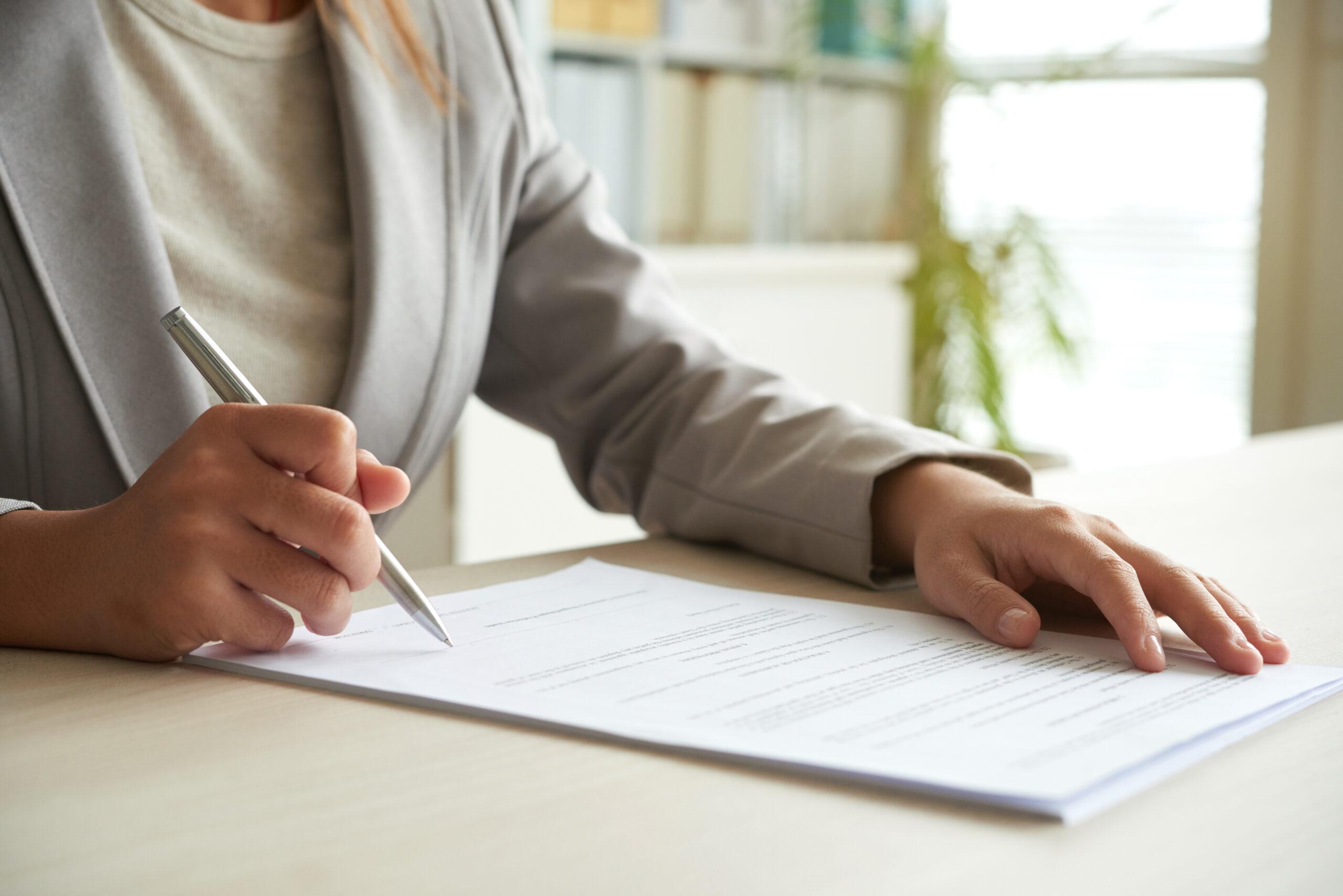 Filling-Out-Australia-PR-Application-Form